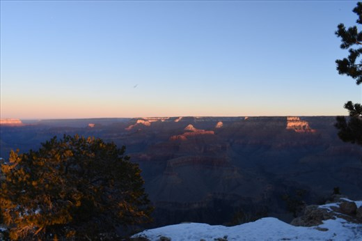 Then, early sunlight painted the northern Canyon rim, as well as tips of the mesas within the Canyon.