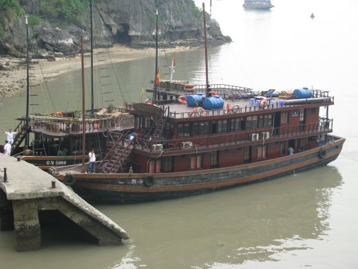 Discovery Oz - discovering Halong Bay - docked at Surprise Cave