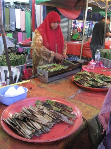 Pasar Malam market on a bustling Saturday night