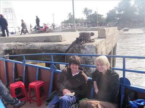Boat to Cat Ba...very cold