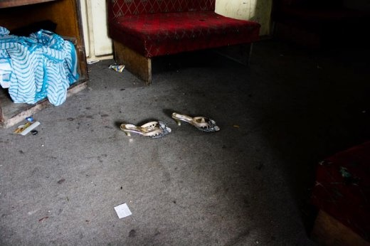 A room with a lost shoes.