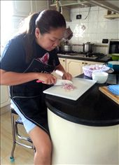 slicing onions need much concentration: by thecandieshop, Views[178]