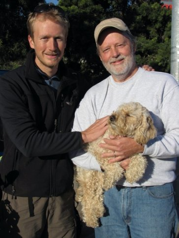 Merle and Ginger saying goodbye at the Mexican border crossing