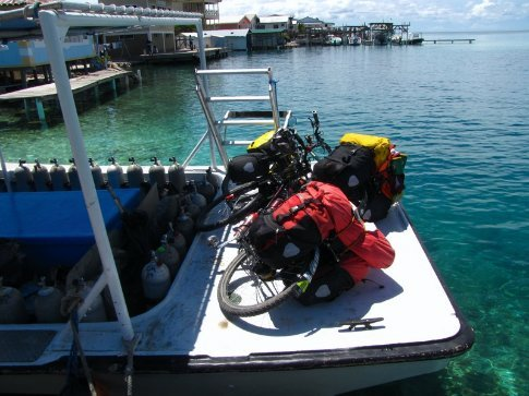the only bike photo in this gallery.....not many roads on jewel caye