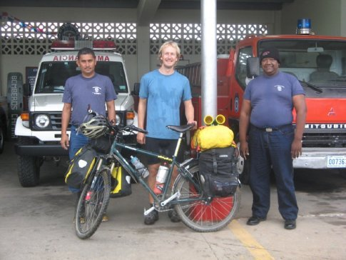 Ali with Cesar and Coco, the bomberos in Capiras