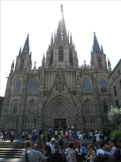 Iglesia during walking tour in barcelona