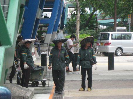 Nice hats ladies!