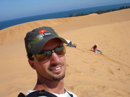Me buggered after making the climb back up the dune after a few times.