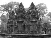 Sandstone towers of Banteay Srey.: by thibaut, Views[132]