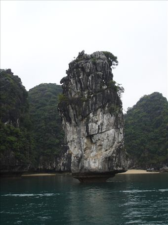 Some of the scenery of Halong bay on the boat trip.