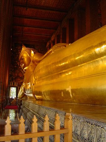 Wat Poh - Statue of the Reclining Buddha