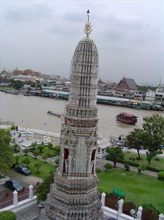 Wat Arun  - Tempel im laotischen Stil