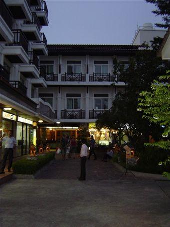 Rambuttri Village Inn - Eine der besseren Adressen zu moderaten Preisen direkt im Touristenviertel
