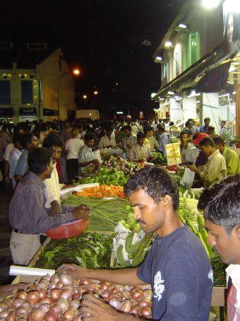 Nachtmark am Sonntag in Little India.