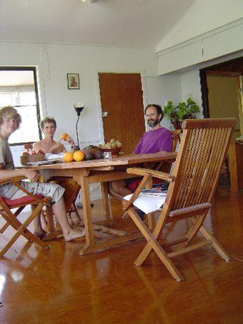 Beim Lunch im Esszimmer.
