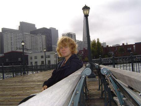 Auf dem Broadway Pier mit Blick auf Downtown.