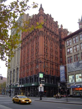 New York wie man sich es vorstellt. Backsteinhaeuser mit Charakter nahe der City Hall.
