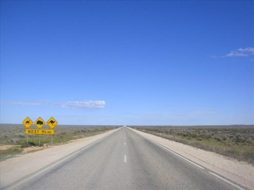 Crossing the Nullarbor Plain, Eyre Hwy, SA
