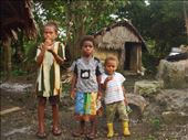 Drashila, Ashila and Elieta eating crab, Caroline Bay, Malekula.: by thomasz, Views[90]