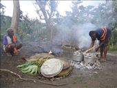 Robert baking bread, former chief observes, Lownelapen, Tanna.: by thomasz, Views[30]