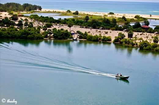 Batticaloa, Srilanka (Batticalo Lagoon Near by Lighthouse)