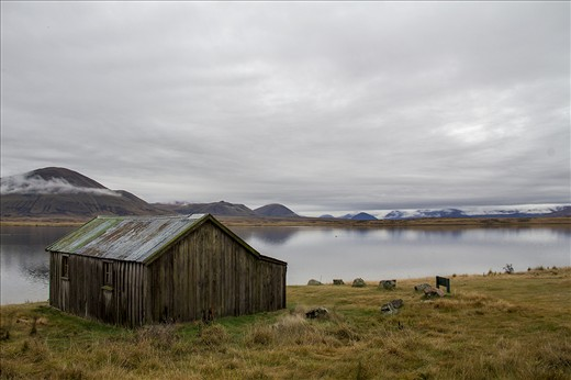Lake Emma Hut. A 120 year old shepherds hut, used for shelter in winter.