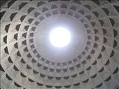 Inside the incredible Pantheon. An impressive building despite the fact that it is 2000 years old.: by tk-tempany, Views[325]