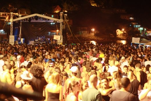 Beach party in Pantano do Sul