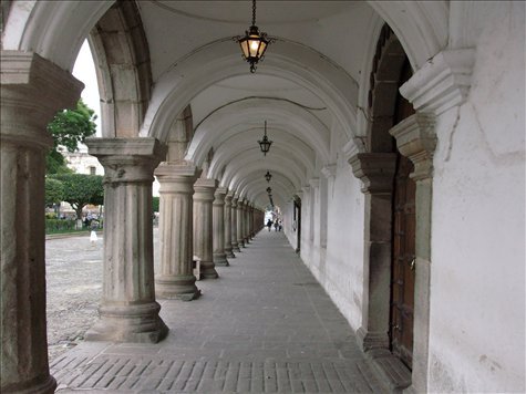 Arcade in the Parque Central Antigua