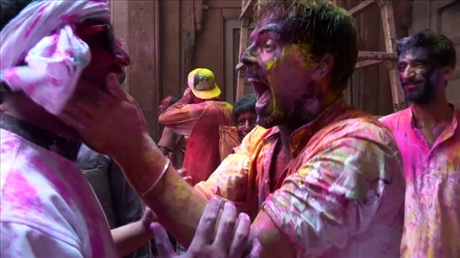 Inside India: Celebrating Holi & Avoiding Delhi Belly