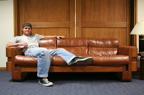 10 Tips to be a Better Couch Surfer