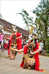 Traditional Malang Mask Dance : by travenesia, Views[635]
