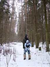 Alexander and baby Michael in the snow covered forest: by treefrog, Views[58]