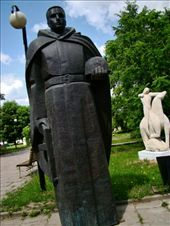 Almost all the statues are name-less: by treefrog, Views[114]