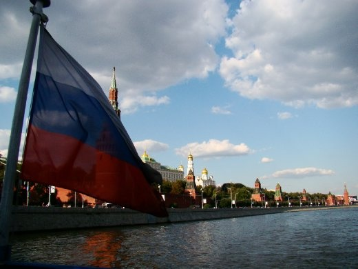 Cruising past the Kremlin