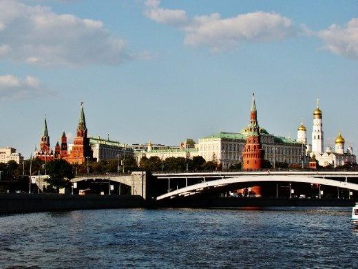 Approaching the Kremlin