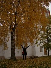 Me enjoying the autumn leaves of Novodevichy Convent: by treefrog, Views[170]