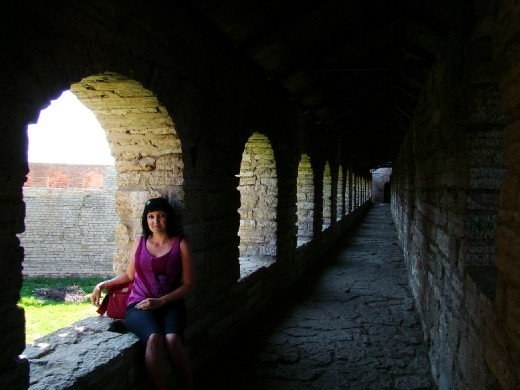 Me sitting inside the walls of the Shlisselburg fortress
