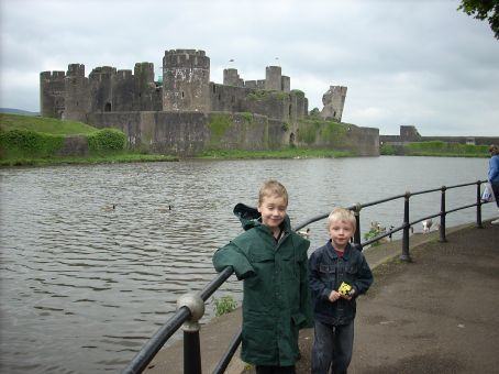 Caerphilly Castle is right in the middle of the town of Caerphilly, but the surrounding parkland makes you feel as if it is in the middle of nowhere. This was a fortress surrounded by moats and drawbridges.