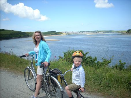The cycle track heads along the Camel River toward Padstow