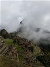 Usvan peittämä inkojen pyhä ja salainen ihmekaupunki.: by tuulikki, Views[623]