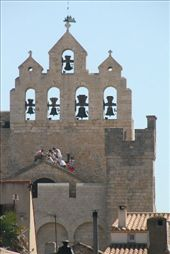 Idiots on the roof of the church in Stes Marie de la Mer in the Camargue area: by vacation_practitioners, Views[165]
