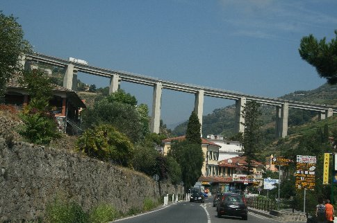 They really know how to build bridges in Italy