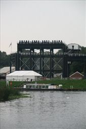 This is a boat lift. It raises and/or lowers narrow boats from the canal to the river - 53 feet or about 17 metres. It has been restored recently: by vacation_practitioners, Views[178]