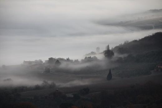 Morning fog, Montalcino