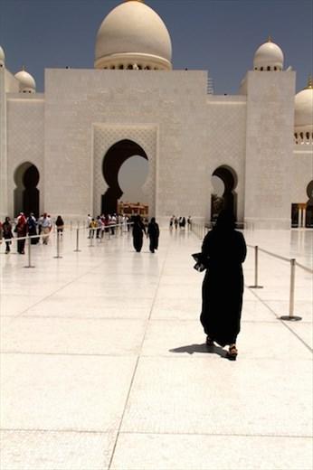 Which one is Connie? Sheikh Zayad Grand Mosque, Abu Dhabi