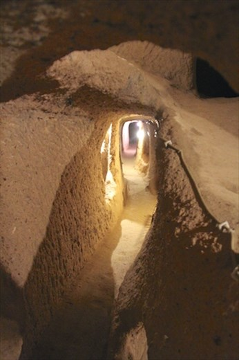 One hundred yards of crouching, Kaymakli Underground City