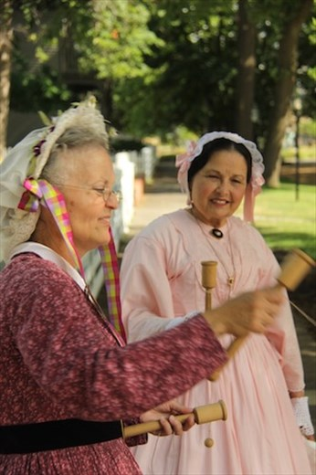 Costumed ladies, Lincoln's Home National Historic Site
