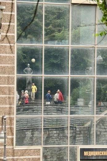 Reflections of Yul Brenner, Vladivostok