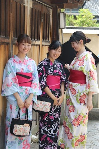 Geisha girls in Nagamachi Samurai District